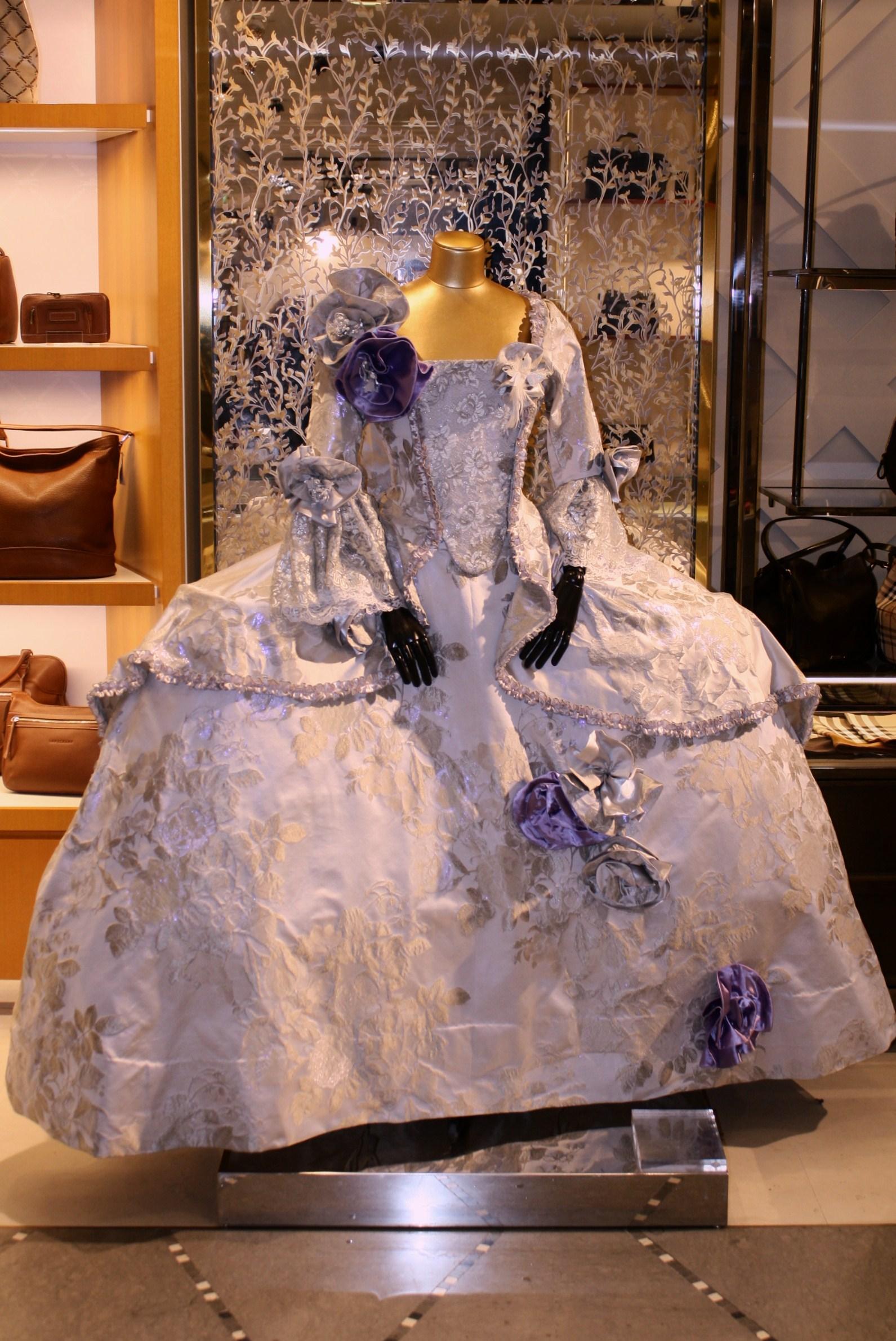 Robe de L'ATELIER LA COLOMBE aux Galeries Lafayette Strasbourg