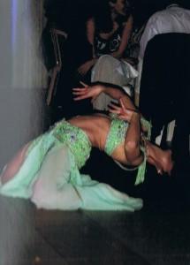 A moins que vous ne fassiez venir une danseuse professionnelle Sophia Sola, ladanseorientale.fr