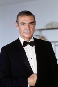 Sean Connery James Bond de 1962 à 1967, puis 1971 et dans Jamais plus jamais (1983)