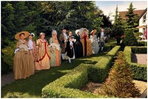 pique nique XVIII dans un petit jardin à la Française CP rené Hoff