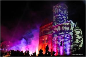 Spectacle son et lumière le samedi soir à Rosheim sur le parvis de l'Eglise St Pierre et Paul Crédit photo Mario Picardo