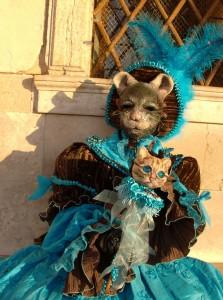 turchese cioccolato Le masque de souris et le septre chat ont été réalisés par Laurence qui porte le costume