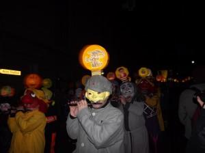joueurs de fifres d'une clique au Carnaval de Bâle