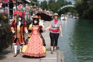 gondolier et passerelle, un petit air de Venise