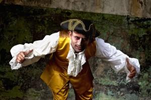 costume XVIII ème gilet jaune Atelier la Colombe strasbourg