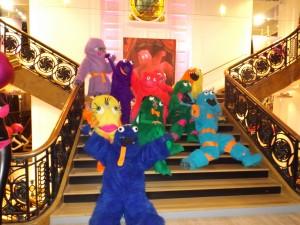 Gustave et sa famille dans le Noël Monstre des Galeries Lafayette de Strasbourg