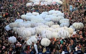 Groupe de Gilles au Carnaval de Binche