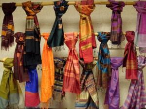 châles de soie du Laos