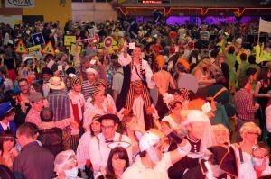bal-masque-deguisements-samedi-rustenhart-38713-300-0