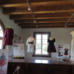 l'exposition «Tenues d'Alsace» à l'écomusée d'Alsace