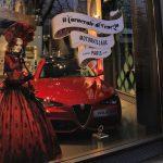 Exposition Carnaval de Venise à MotorVillage Champs Elysée avec des costumes de l'Atelier la Colombe